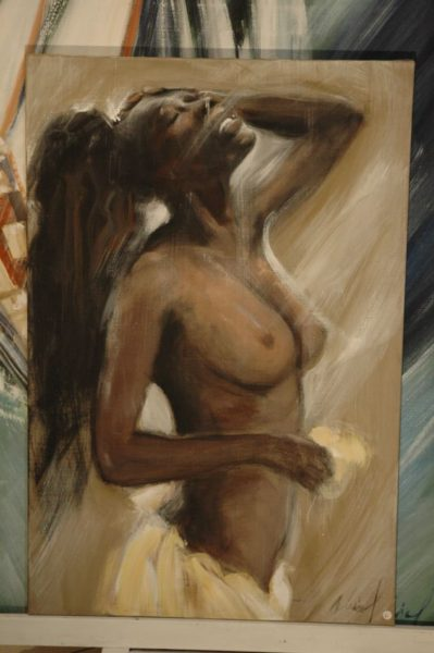 Africaine aux seins nus