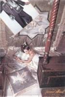 """Peinture sur soie.Couvre lit """"la fontaine aux canards"""", drap en satin et soie, veste peinte et matelassée, petit tambourin peint et matelassé et pyjama assortis"""