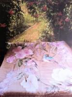 """Couvre lit king-size """"Oiseaux dans le jardin"""" peint sur soie et matelassé"""